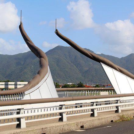 くにびき海岸大橋「モニュメント・親柱」